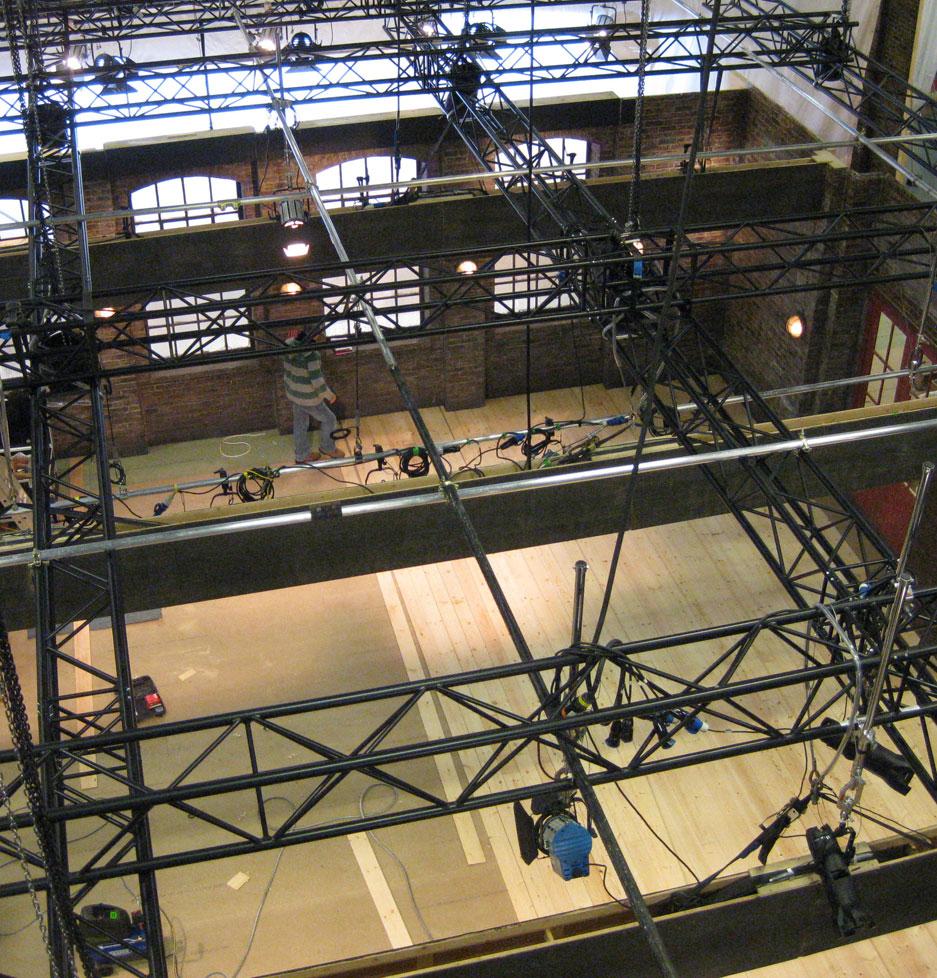 eye-catching design - tv set construction